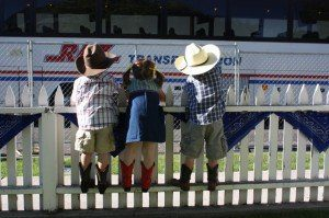 Three kids at Crooked River Roundup.