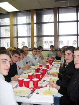 2004 LHS Cardinals eating at SKH before a game.